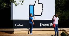 Don't Buy Into Facebook's Ad-Tracking Pressure on iOS 14.5