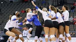 Offensive powerhouse UK pushes to first Final Four